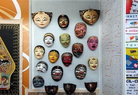 最炫民族风 博览会印尼馆的特色面具