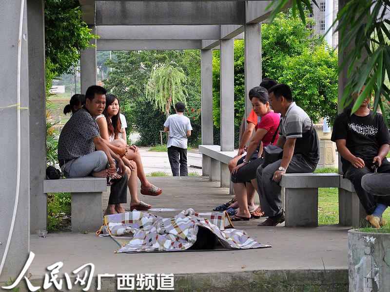 岑溪两小学生获救+一人身亡一人溺水田阴小学图片