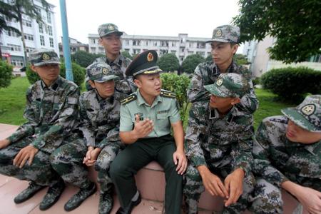 部队扎领带的方法和图解