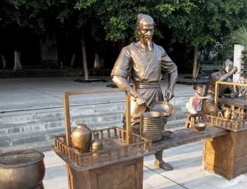 4种生活形态雕塑展示南宁市井生活