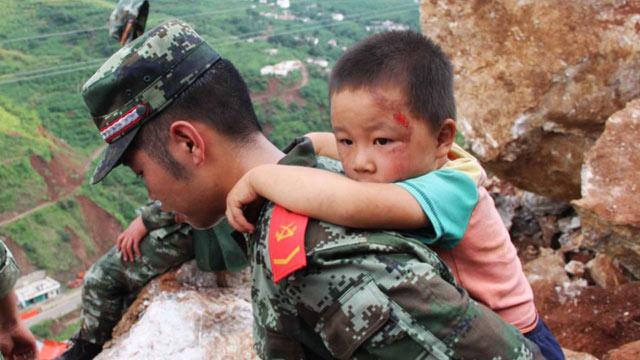 [引用 原编] 这就是中国军人,你难道不感动不震撼吗? - 十月大哥 - 十月大哥的博客