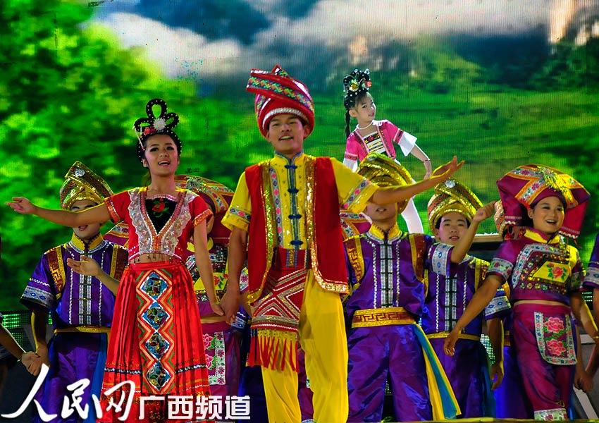 河池铜鼓山歌艺术节 刘三姐文化旅游节拉开序幕