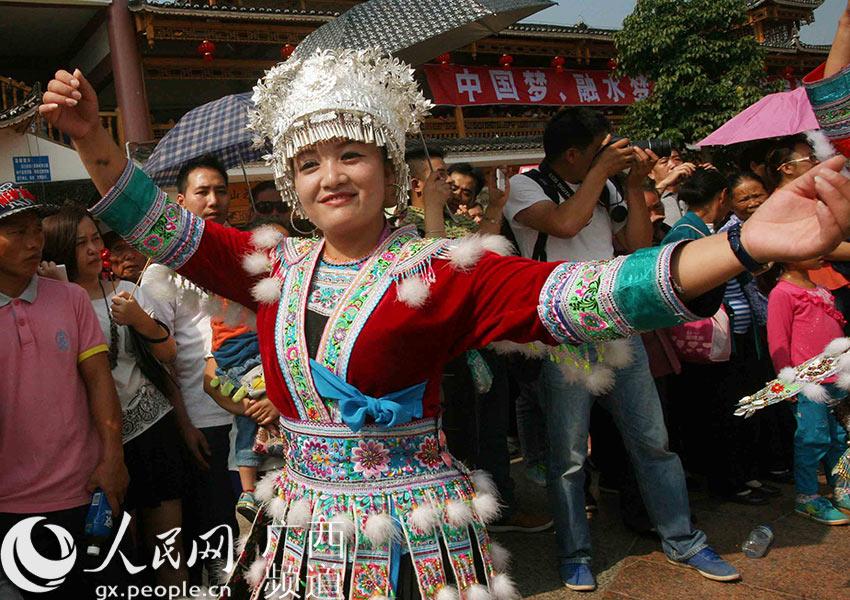 广西融水斗马_广西融水:举办芦笙斗马节【3】--人民网广西频道--人民网