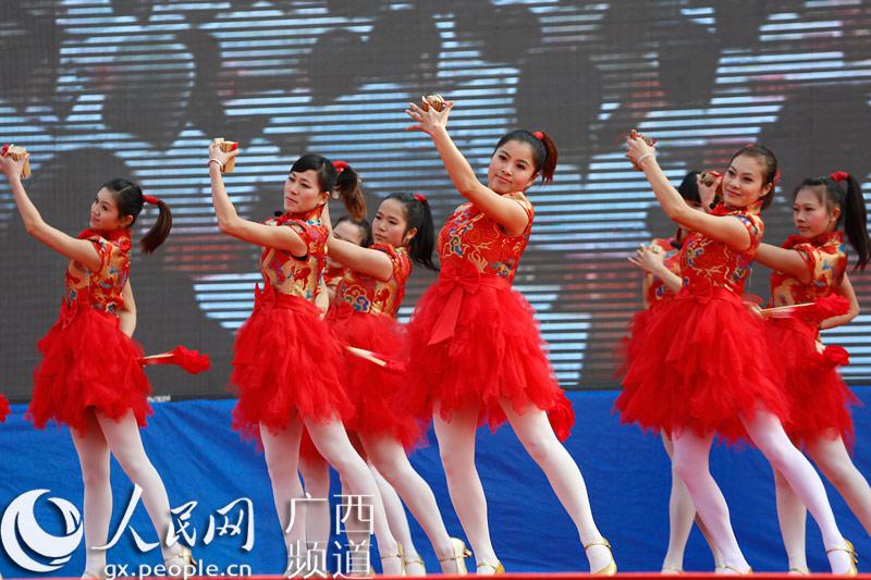 结束歌舞《共筑中国梦》