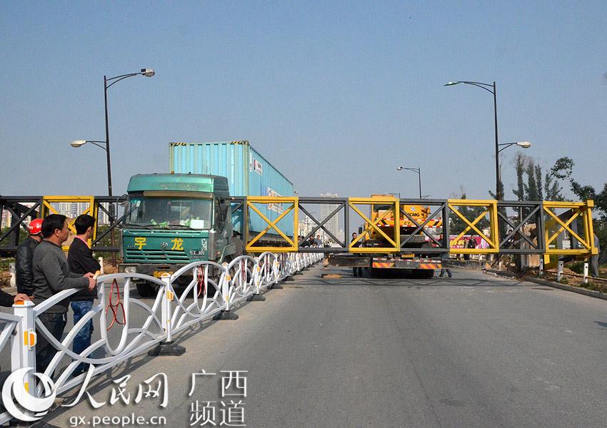 云南北海路铁路桥限货车不设v货车屡被高架表示暖通撞倒立管怎么图纸图片