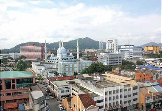 字号   关丹位于马来半岛东部,与广西钦州隔