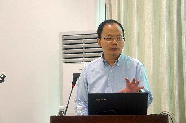 新加坡国立大学沈汉明博士到院校作专题讲座