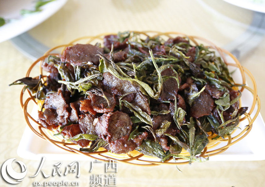 大包:广西高清以茶入菜白毫变身加盟食材包大嘴餐厅熏肉料理图片