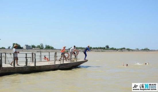 人民网广西频道 合浦视窗 合浦要闻    6月30日,合浦县水上搜救分中心