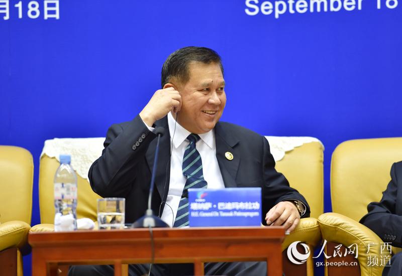 """泰国副总理塔纳萨与中国企业ceo""""圆桌对话"""""""