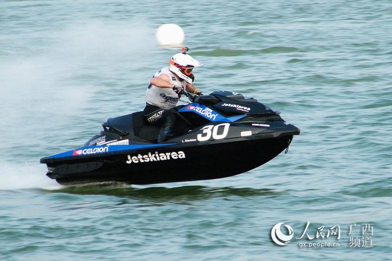 中国·柳州世界水上极速运动大赛盛大开赛
