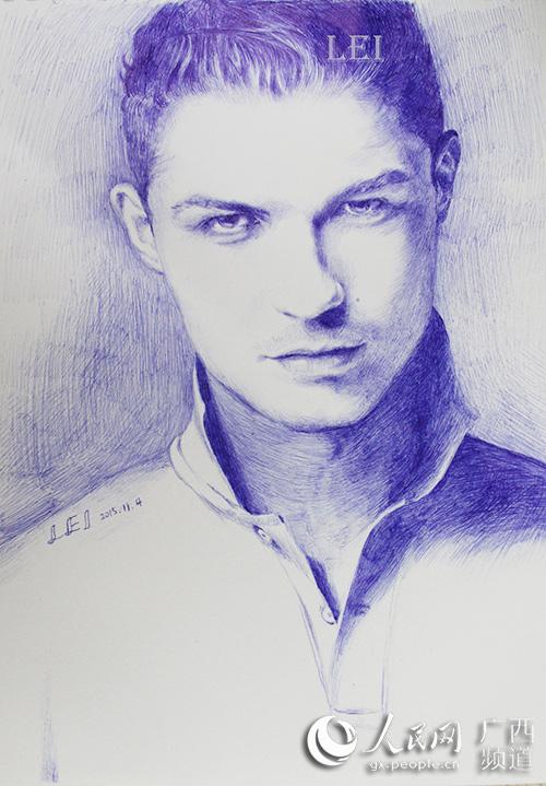 2013年起热衷於手绘创作,喜爱绘制风景人物肖像,擅长运用圆珠笔,铅笔