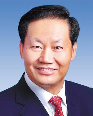 自治区党委书记 彭清华            真诚接受舆论监督,更好地推动工作促进发展。全方位展现广西开放合作的新形象、新成就,为广西跨越发展给力加油。              有话捎给彭书记