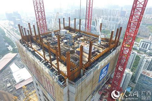 首道核心筒桁架层完成施工