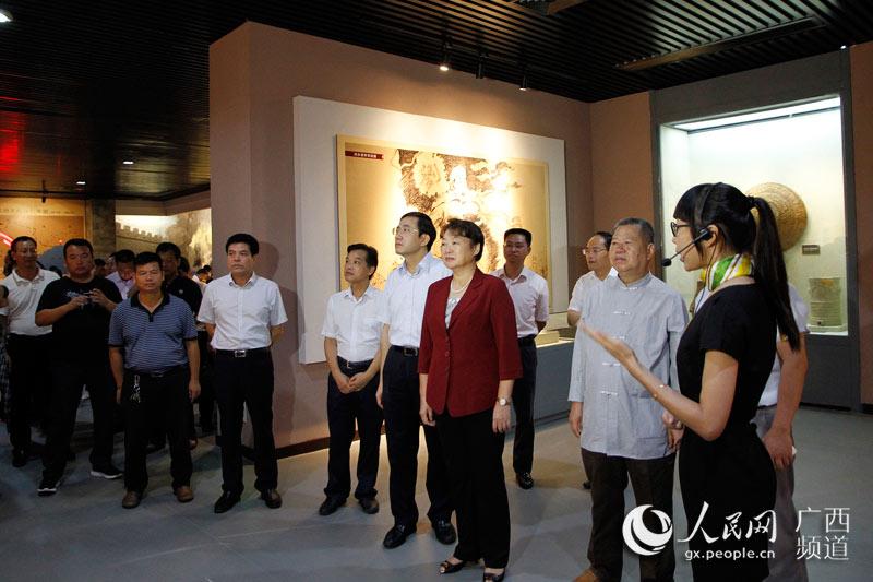 王革冰、黄海昆等领导参观纪念馆
