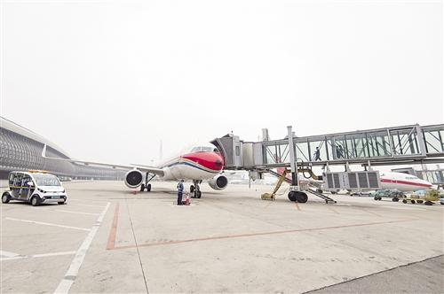 下了飞机上地铁 南宁建设国际空港综合交通枢纽