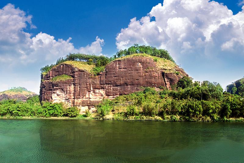 博白县宴石山风景区旅游开发项目 博白宴石山风景名胜区位於博白县西