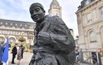 一战华工雕像在巴黎里昂火车站落成