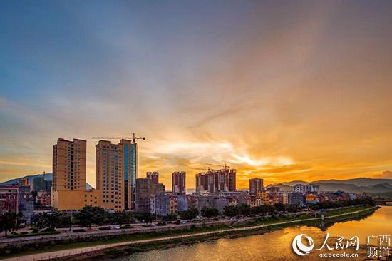 """韋德體育游戲廣西鐘山:""""城市雙修""""助推人居環境提檔升級"""