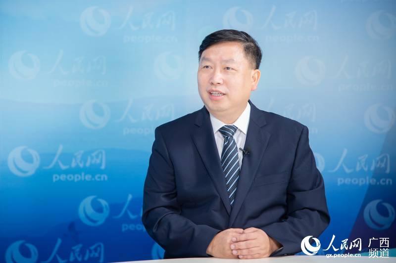 广西医科大学第一附属医院院长陈俊接受人民网专访。严立政摄