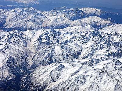 这是在从北京飞往迪拜的航班上拍摄的巴基斯坦境内